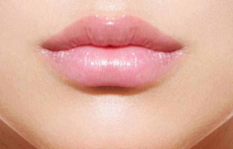 Permanent makeup treatments - lips